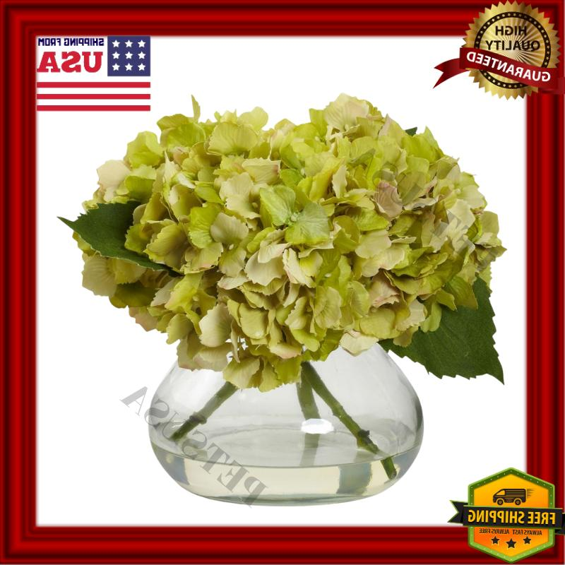 valentines hydrangea in a clear glass vase